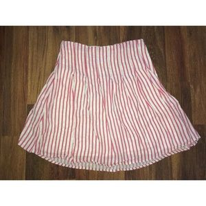 Old Navy size 2 low waist skirt pink white stripe
